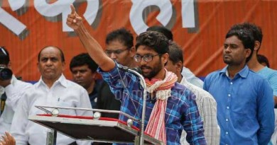 """Jignesh Mevani ended his speech with """"Laal Salaam and Neela Salaam"""" in Lucknow"""
